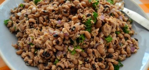 Black Bean and Tuna Salad - Feijao Frade com Atum